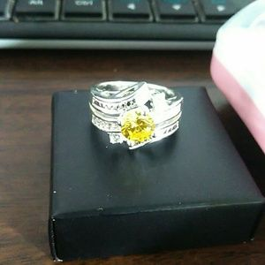 Jewelry - Stunning Cz Cocktail Ring Yellow